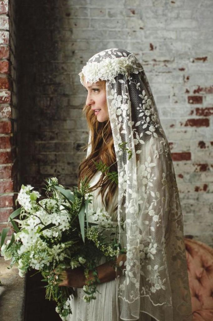velo novia con corona