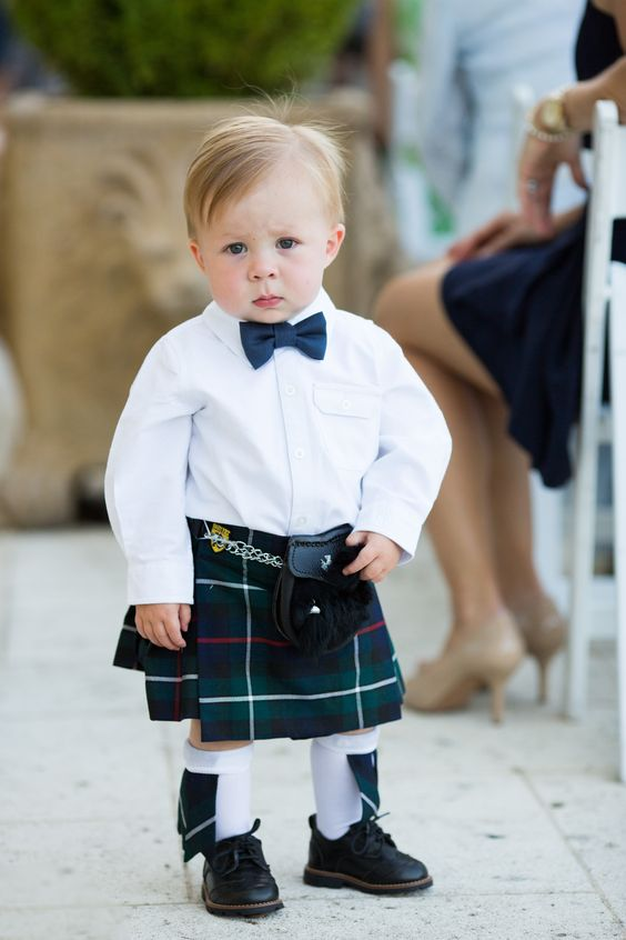 niños arras traje regional